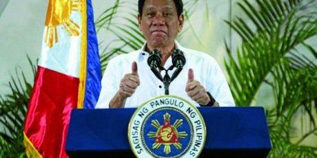 Tong thong Philippines goi gioi lanh dao phuong Tay la 'dao duc gia' - Anh 1