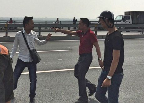 Thieu tuong Doan Duy Khuong: Giao PC44 vao cuoc lam ro vu hanh hung nha bao - Anh 1