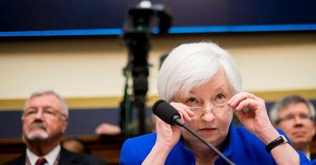 Dong USD tiep day 2 tuan sau quyet dinh chinh sach cua Fed va BoJ - Anh 1