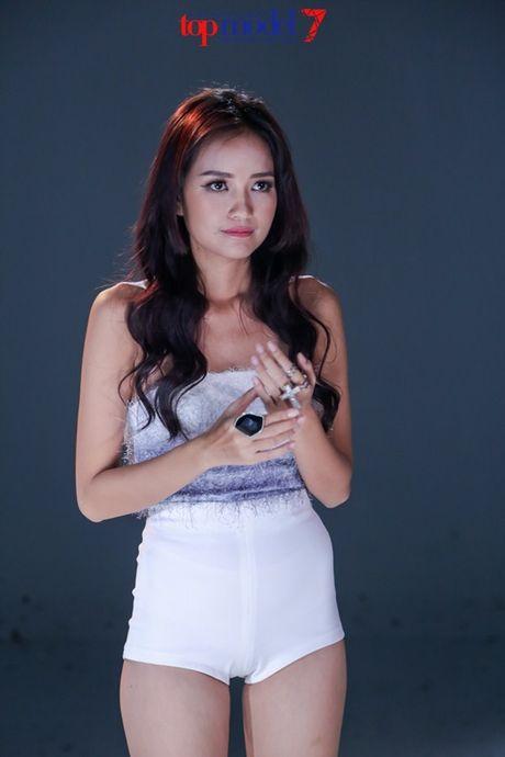 Chan dai Next Top Model but pha cung thu thach voi toc - Anh 13