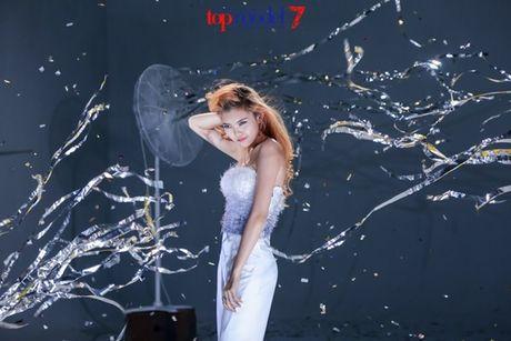 Chan dai Next Top Model but pha cung thu thach voi toc - Anh 15