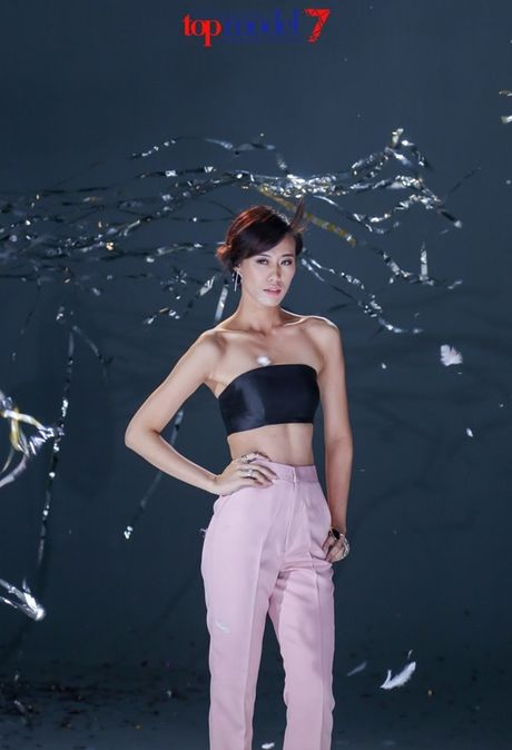 Chan dai Next Top Model but pha cung thu thach voi toc - Anh 16