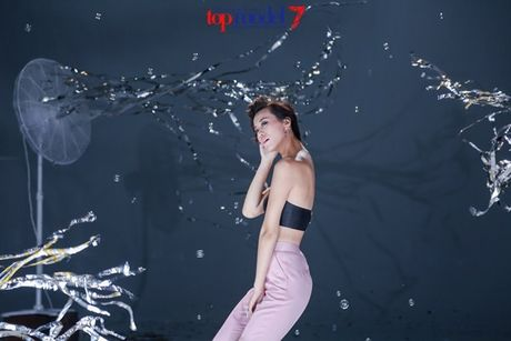Chan dai Next Top Model but pha cung thu thach voi toc - Anh 17