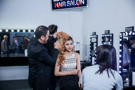 Chan dai Next Top Model but pha cung thu thach voi toc - Anh 3