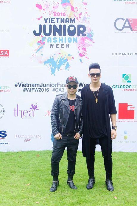 Vu Cat Tuong dua dan hoc tro The Voice Kids den ung ho Do Manh Cuong - Anh 2
