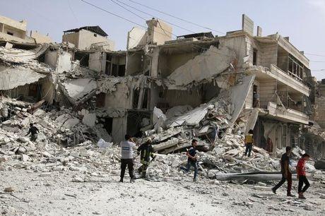 Syria: Aleppo bi oanh tac du doi - Anh 1