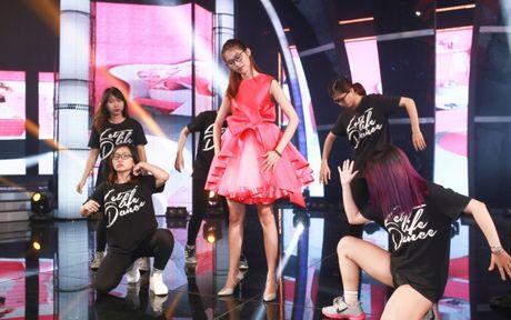 Quynh Chau lan dau hoa bup be babie nhay sexy - Anh 4