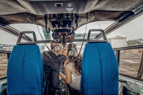 Em gai Huynh Phuc Dien chup anh cuoi tren truc thang - Anh 5