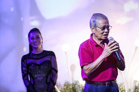 Thu Minh khoc xin loi bo me ve scandal no nan cua chong - Anh 5