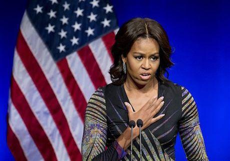 Hacker Nga lai bi nghi danh cap ban chup ho chieu cua ba Michel Obama - Anh 1