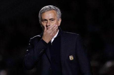 HLV Mourinho: Bong da bay gio toan Einstein - Anh 1