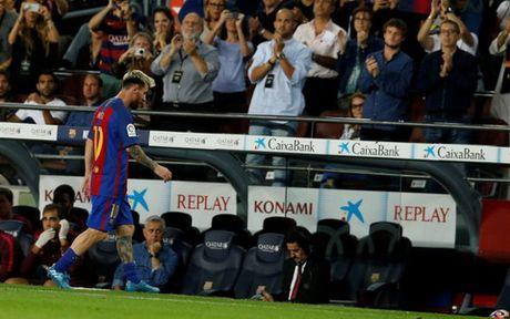 Messi lan dau len tieng ve chan thuong gay tranh cai - Anh 1