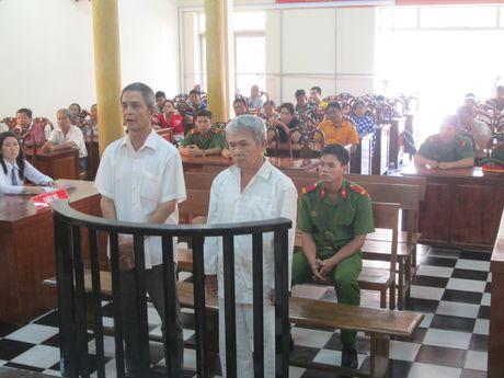 Phat hien con bac gian lan, bat coc, doa dem sang Campuchia nhot - Anh 1