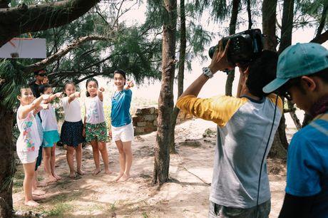 Noo Phuoc Thinh cung hoc tro quay MV bao ve moi truong - Anh 13