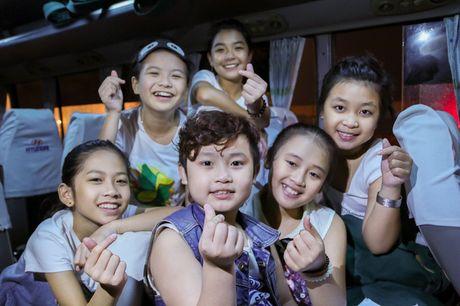 Noo Phuoc Thinh cung hoc tro quay MV bao ve moi truong - Anh 2