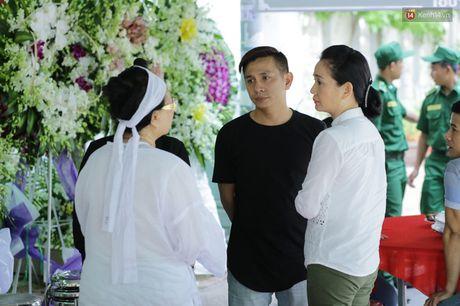 Thanh Loc, Huu Chau va dong nghiep xuc dong vieng tang le NSND Thanh Tong - Anh 11