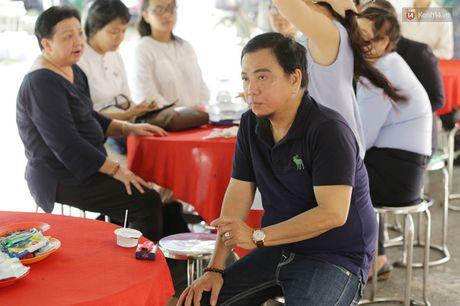 Thanh Loc, Huu Chau va dong nghiep xuc dong vieng tang le NSND Thanh Tong - Anh 12