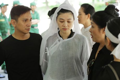 Thanh Loc, Huu Chau va dong nghiep xuc dong vieng tang le NSND Thanh Tong - Anh 13