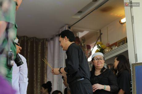 Thanh Loc, Huu Chau va dong nghiep xuc dong vieng tang le NSND Thanh Tong - Anh 14