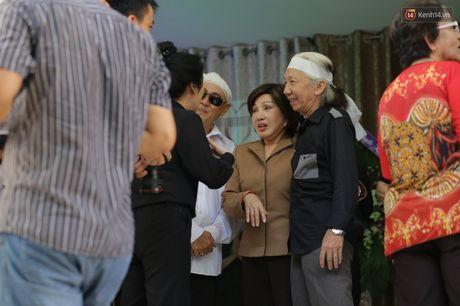 Thanh Loc, Huu Chau va dong nghiep xuc dong vieng tang le NSND Thanh Tong - Anh 15