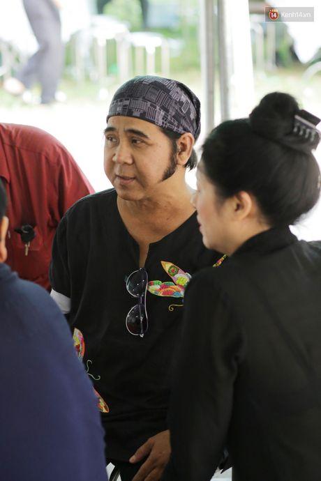 Thanh Loc, Huu Chau va dong nghiep xuc dong vieng tang le NSND Thanh Tong - Anh 16
