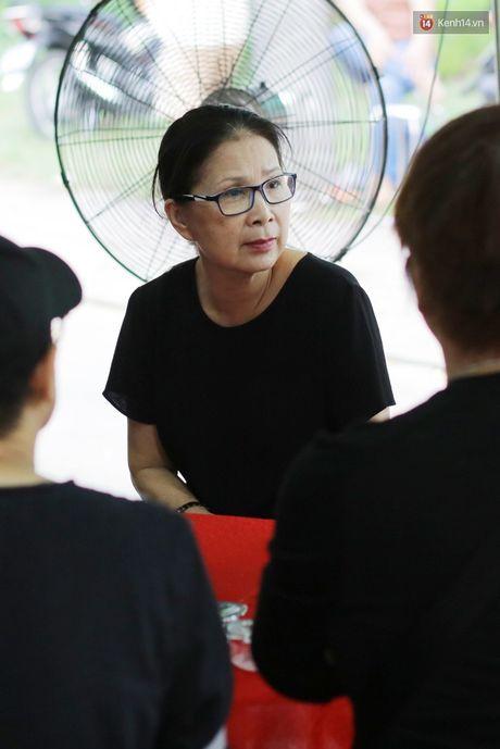 Thanh Loc, Huu Chau va dong nghiep xuc dong vieng tang le NSND Thanh Tong - Anh 18