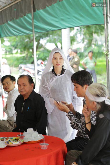 Thanh Loc, Huu Chau va dong nghiep xuc dong vieng tang le NSND Thanh Tong - Anh 1