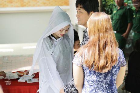 Thanh Loc, Huu Chau va dong nghiep xuc dong vieng tang le NSND Thanh Tong - Anh 3