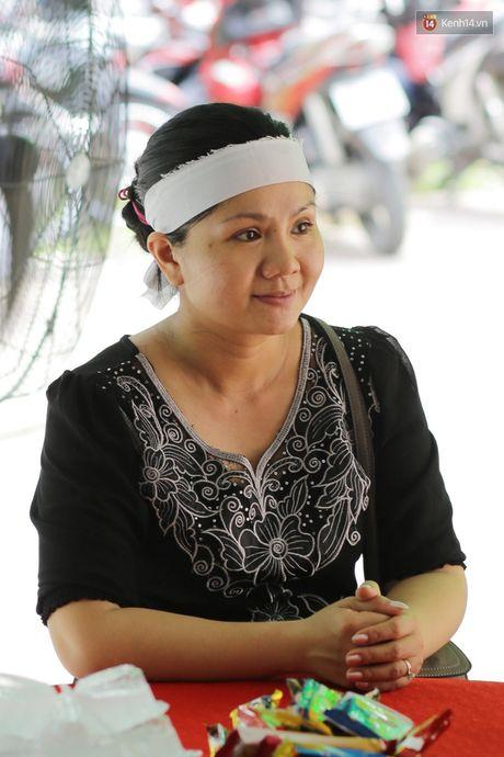 Thanh Loc, Huu Chau va dong nghiep xuc dong vieng tang le NSND Thanh Tong - Anh 6