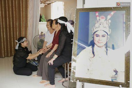 Thanh Loc, Huu Chau va dong nghiep xuc dong vieng tang le NSND Thanh Tong - Anh 7