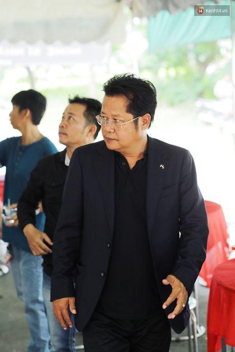 Thanh Loc, Huu Chau va dong nghiep xuc dong vieng tang le NSND Thanh Tong - Anh 9