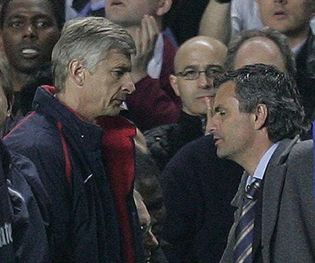Jose Mourinho: 'Mot ngay nao do, toi se tim Wenger va dap VO MAT ong ta' - Anh 2