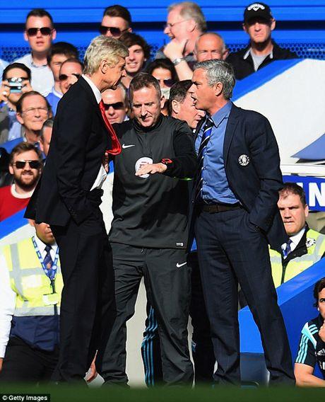 Jose Mourinho: 'Mot ngay nao do, toi se tim Wenger va dap VO MAT ong ta' - Anh 4