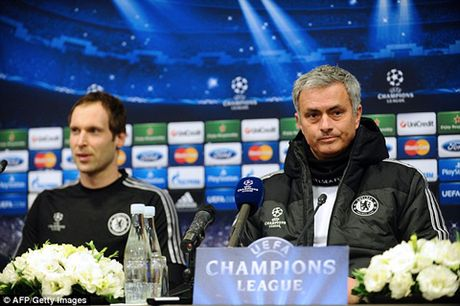 Jose Mourinho: 'Mot ngay nao do, toi se tim Wenger va dap VO MAT ong ta' - Anh 6