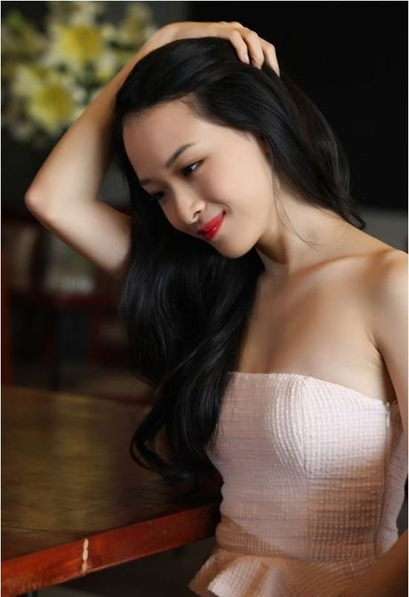 Duong cong nong bong cua hoa hau bi to lua dao Phuong Nga - Anh 5