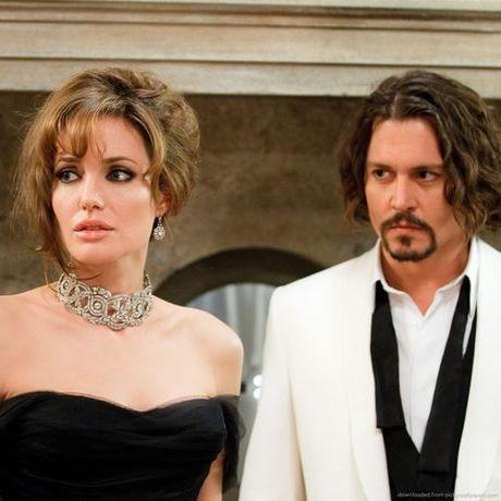 """Sau 7 ngày ly dị, Angelina có ngay """"chỗ dựa mới"""""""