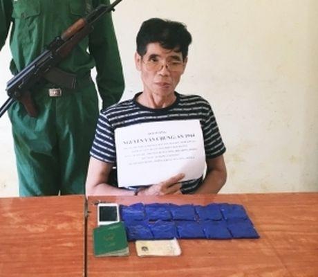Biên phòng Sơn La: Bắt 2.000 viên ma túy tổng hợp