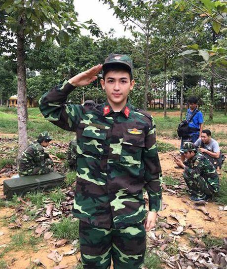 'Hau due Mat troi' ban Viet chua ra rap bi fan 'nhat san' ram ram - Anh 4