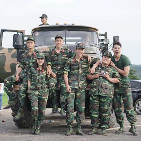 'Hau due Mat troi' ban Viet chua ra rap bi fan 'nhat san' ram ram - Anh 5