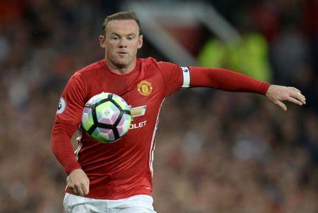 Gap Stoke City, Mourinho lan thu 3 'tram' Rooney - Anh 1