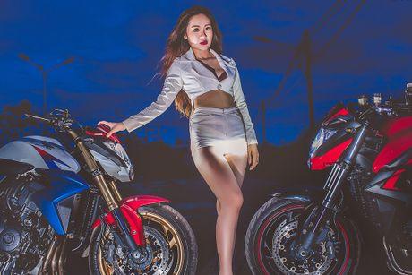 Chan dai Viet sexy ben Honda CB1000R tri gia 400 trieu - Anh 9