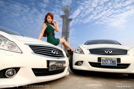 'Hot teen' Chau A khoe dang ben xe the thao Infinity G37 - Anh 2