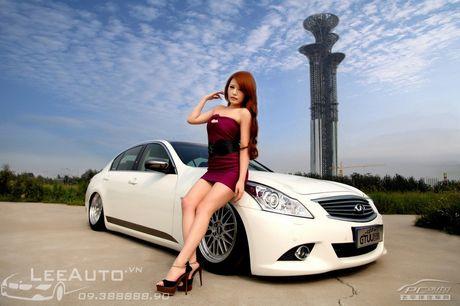 'Hot teen' Chau A khoe dang ben xe the thao Infinity G37 - Anh 8