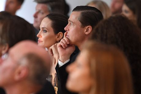 Angelina Jolie khong muon trung phat Brad - Anh 3