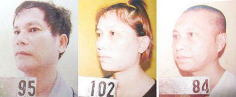Cap tinh nhan cam dau duong day mua ban 523 banh heroin sap den toi - Anh 1
