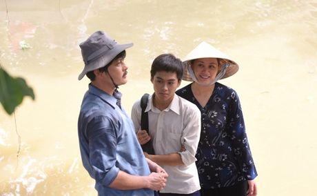 """Theo """"Dong doi"""", Van Trang lam vo be bat hanh cua Hoang Anh - Anh 2"""