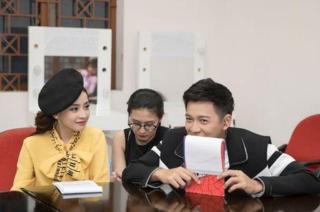 Quang Vinh am tham den ung ho Chi Pu lam MC - Anh 3