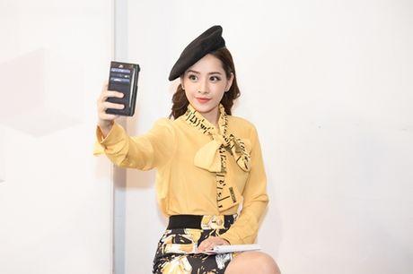 Quang Vinh am tham den ung ho Chi Pu lam MC - Anh 4