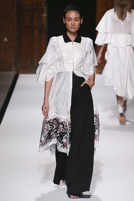 Thuy Trang, Thanh Thao cung trung show tai Paris Fashion Week - Anh 4