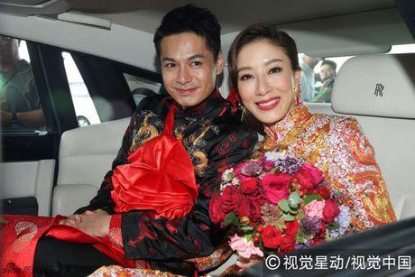 """""""Chi ca TVB"""" Duong Di deo vang nang triu tay trong ngay cuoi - Anh 1"""